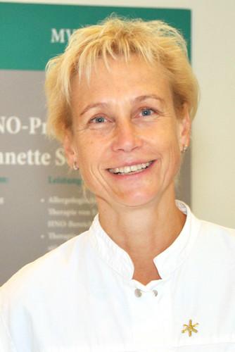 Dr. Annette Sonnenburg